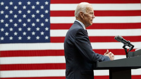 """Joe Biden diz que pessoalmente é contra o aborto, mas a um nível político diz que ninguém pode dizer às """"mulheres não podem controlar o próprio corpo"""""""