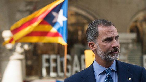 Filipe VI vai estar em Barcelona a 4 e 5 de novembro, menos de uma semana antes das eleições gerais, agendadas para 10 de novembro
