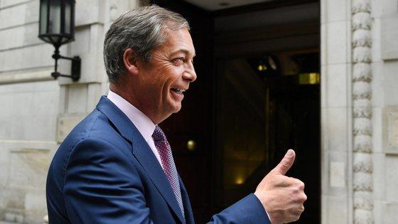 Nigel Farage, líder do Partido Brexit, diz que não quer estar na política para o resto da sua vida