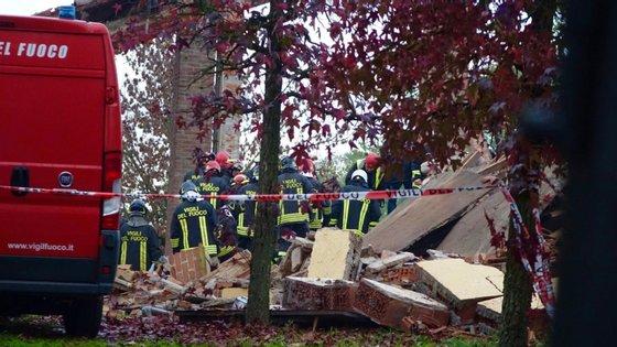 Um dos mortos ficou sob os escombros, o corpo só foi recuperado após horas de escavação