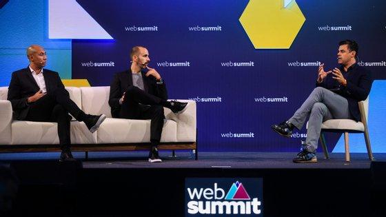 Luisão e Pedro Marques com Pedro Pinto, no painel que abriu o palco do Sports Trade na Web Summit