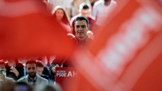 Separatistas, magistrados e oposição criticaram as afirmações de Sánchez, denunciando a falta de separação de poderes em Espanha