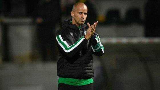 O treinador do Sporting disse que está a preparar a equipa para jogar em vários sistemas e defendeu que há coisas mais importantes do que a escolha do sistema de jogo