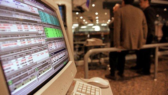 O valor faturado à empresa informática, escreve o jornal, pela empresa unipessoal de Jorge Neves terá chegado a 36 mil euros