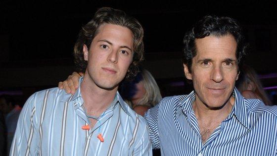 Harry Morton, à esquerda, e o pai, Peter Morton