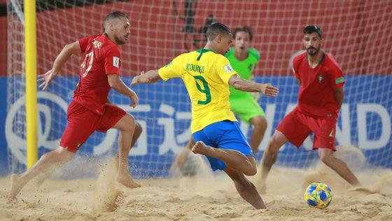 Seis golos marcados pelo Brasil no segundo período ainda foram anulados por Portugal, que sofreu o 9-7 já no último minuto