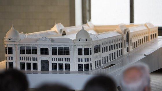 A obras no Mercado do Bolhão iniciaram em maio de 2018 e têm a duração prevista de dois anos, mas o presidente da autarquia não confirma a data da sua conclusão