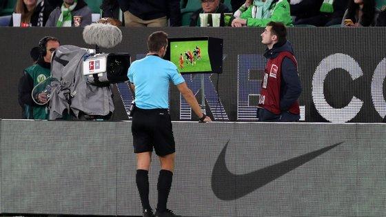 O Comité Executivo da UEFA decidiu também alterar o formato da Liga dos Campeões feminina