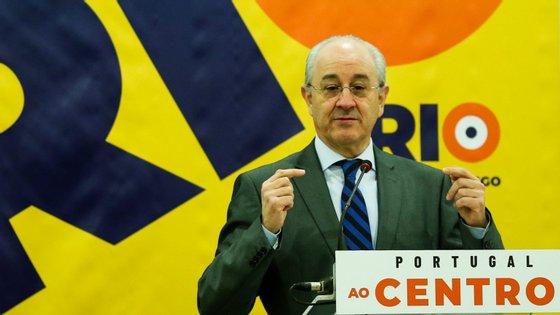 """O líder do PSD declarou já ter notado """"alguma atrapalhação do Governo"""", que reviu o relatório inicial na matéria de impostos"""