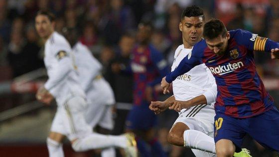 Casemiro travou Messi, esteve no lançamento das jogadas de maior perigo do Real e foi ainda um dos mais rematadores do jogo
