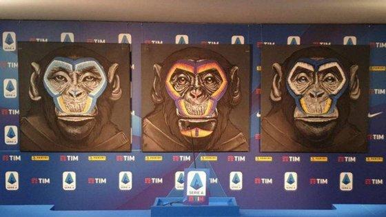 """O artista desenhou """"um macaco ocidental com olhos azuis, um asiático com olhos amendoados e um terceiro preto"""""""