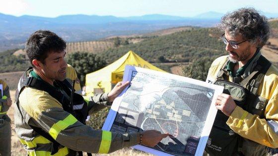 Conscientes de que as comunicações salvam vidas e ajudam à rápida extinção dos incêndios, espanhóis e portugueses partilham experiências em simulacros