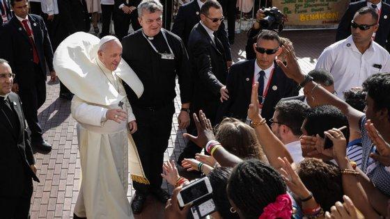 """O Papa Francisco defendeu este sábado a necessidade de """"mudar a mentalidade pastoral"""" na Igreja"""