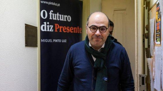 Miguel Pinto Luz encontrou-se este sábado com dirigentes e militantes em Seia, no distrito da Guarda.