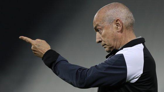 Jesualdo Ferreira, que treinou os três grandes em Portugal, orientou o Al-Sadd do Qatar até maio deste ano