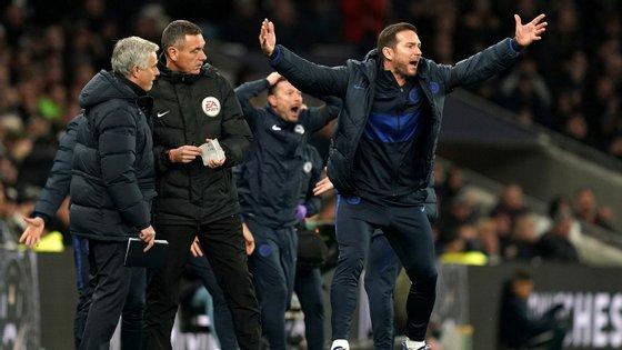 Frank Lampard foi jogador e capitão de José Mourinho no Chelsea e voltou a ser melhor do que o antigo treinador no dérbi londrino