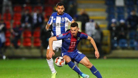 O jogador mexicano assistiu Soares para o primeiro golo do jogo