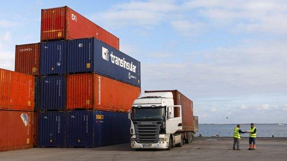 No ano passado, as trocas comerciais entre a China e os países lusófonos fixaram-se em 147,35 mil milhões de dólares
