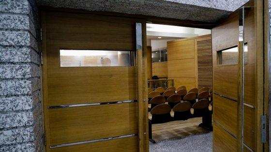 Há 40 vagas para a magistratura judicial, 30 para os tribunais administrativos e fiscais e 65 lugares para o Ministério Público