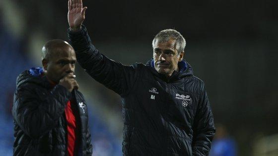 Rui Águas é um antigo avançado internacional português, que representou Benfica e FC Porto