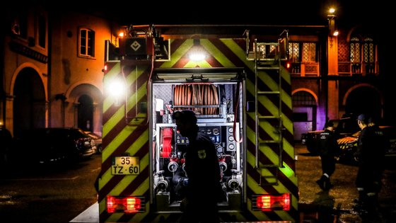 Incêndio consumiu último piso do antigo hospital Maria Pia, no Porto