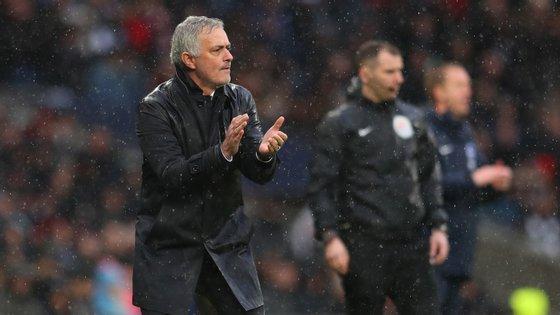 Mourinho viu o Tottenham sair para intervalo em vantagem antes da reviravolta na segunda parte