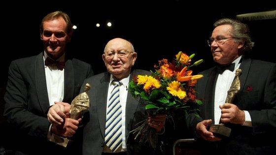 Peter Schreier, à direita, converteu-se numa das poucas estrelas internacionais da antiga República Democrática Alemã (RDA), estatuto de primeira linha que manteve até ao final da carreira