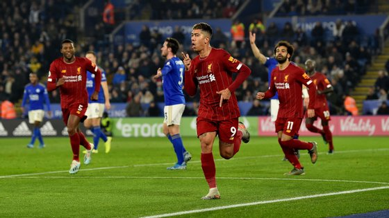 Firmino bisou na deslocação do Liverpool a Leicester que reforçou (ainda mais) a liderança dos reds na Premier League