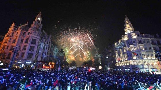 O fogo de artifício representa um investimento de cerca de 25 mil euros, será lançado a partir do edifício da Câmara e durará 16 minutos