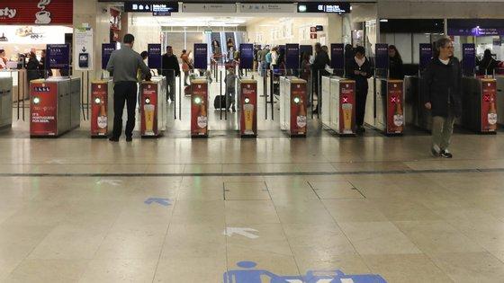 """A viagem de metro com o """"Zapping"""" terá um aumento de um cêntimo, passando a custar 1,34 euros"""