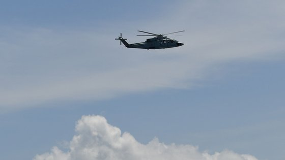 O helicóptero desaparecido estava equipado com um aparelho de localizaçãoeletrónica, mas ainda não foi captado qualquer sinal (imagem meramente ilustrativa)