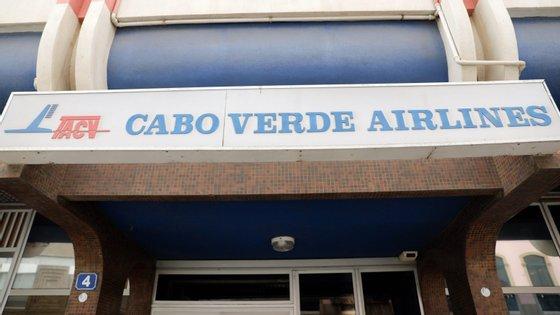 """""""Esta renovação mostra o quão consistentes e resilientes são os sistemas de segurança da CVA, o que ganha ainda maior relevância numa altura em que estamos a expandir a nossa operação e a adicionar novas rotas"""", referiu o presidente executivo da Cabo Verde Airlines"""