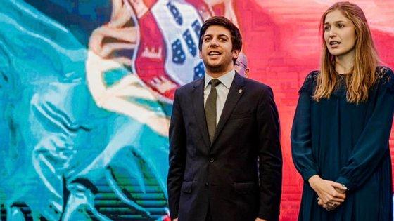Francisco Rodrigues dos Santos partilhou uma foto com Inês Vargas durante a apresentação da sua candidatura à liderança do CDS, a 17 de dezembro, no Porto