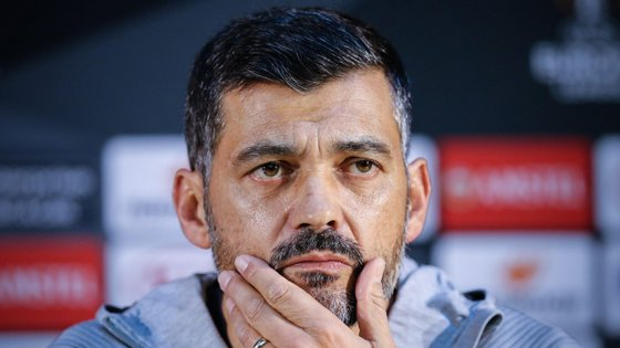 Sérgio Conceição já tinha sido questionado sobre o sucedido, na antevisão da receção ao Feyenoord em jogo da Liga Europa, mas não comentou o caso