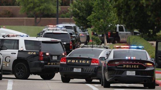 Ainda não se sabe detalhes sobre os autores dos disparos ou o que terá motivado o crime, já que as investigações estão ainda a decorrer