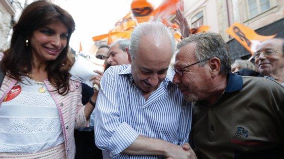 Mónica Quintela (à esquerda) com Rui Rio (no centro) durante a campanha para as legisltativas