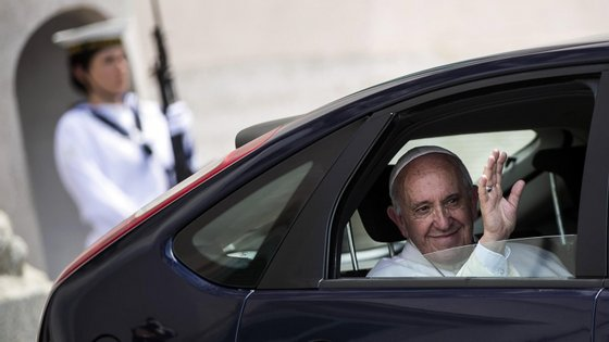 O Papa fez o apelo durante a tradicional oração do Angelus dos domingos na praça de São Pedro