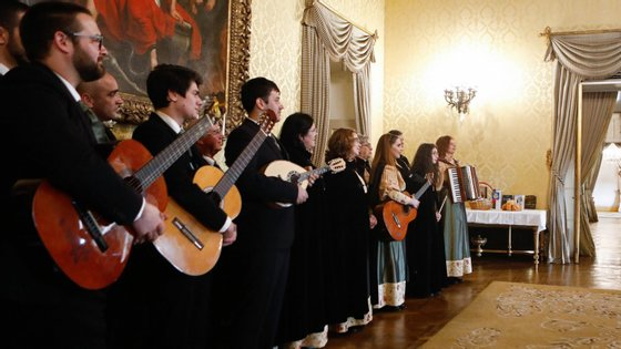 Trata-se de um espetáculo com 17 grupos de cantares de coletividades e associações de freguesias do concelho