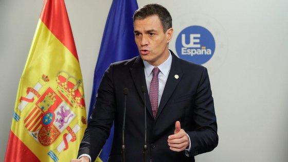 O debate sobre investidura de Pedro Sánchez como primeiro-ministro iniciar-se-á no sábado, a 4 de janeiro