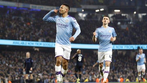 Gabriel Jesus bisou em menos de dez minutos no início da segunda parte e deu vitória ao Manchester City frente ao Everton