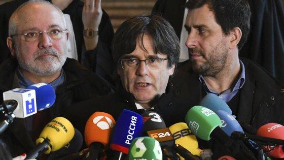 Carles Puidgemont escreveu sobre a decisão belga no Twitter