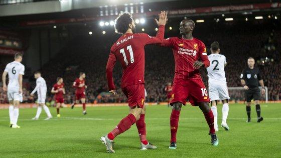 Salah inaugurou o marcador e assistiu Mané para o resultado final: dupla soma em conjunto 21 golos na Premier League