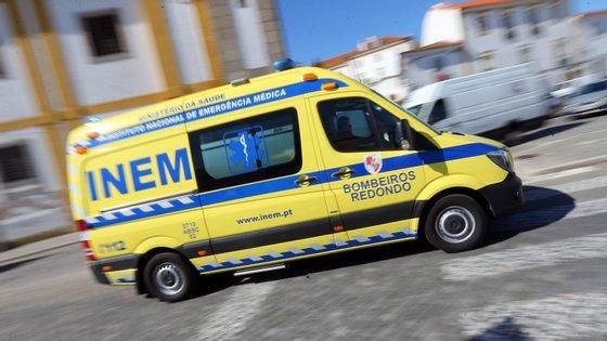 Quando as autoridades chegaram ao local a criança já se encontrava em paragem cardiorrespiratória