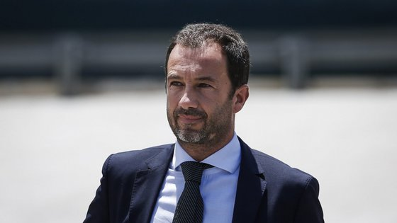 """A reunião vai ocorrer """"a pedido do Sporting"""", na quarta-feira, às 10h30"""