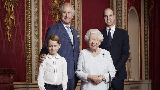 É desta forma que a casa real britânica dá as boas vindas à nova década