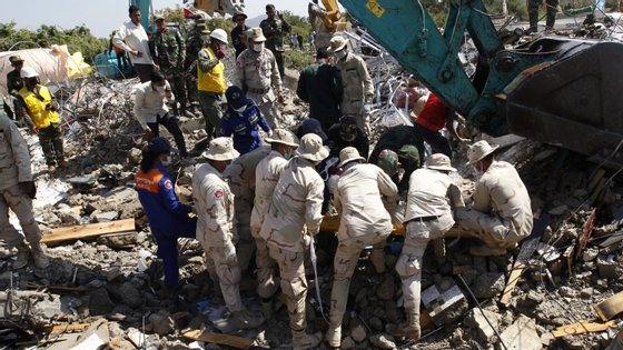 Todas as vítimas eram trabalhadores de construção civil e familiares
