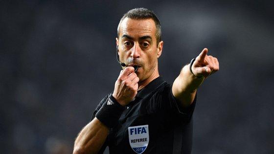 Este vai ser o quinto embate entre 'leões' e 'dragões' que o árbitro da associação do Porto vai arbitrar