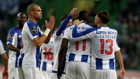 FC Porto venceu Sporting em Alvalade num clássico que terminou com elogios para o árbitro Jorge Sousa