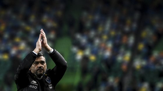 Sérgio Conceição agradeceu no final do jogo aos adeptos portistas que se deslocaram a Alvalade para o clássico