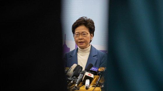 """""""Governo está determinado a atravessar a tempestade"""" frisou Carrie Lam"""